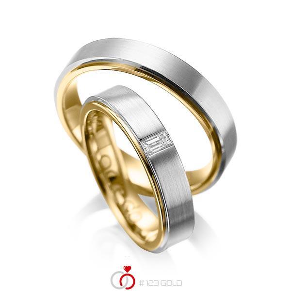 Paar bicolor Trauringe/Eheringe in aussen Graugold 585 , innen Gelbgold 585 mit zus. 0,12 ct. Baguette-Diamant tw, vs von acredo - A-1054-9