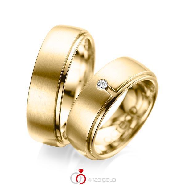 Paar klassische Trauringe/Eheringe in außen Gelbgold 585 , innen Gelbgold 585 mit zus. 0,03 ct. Brillant tw, si von acredo - A-1090-8