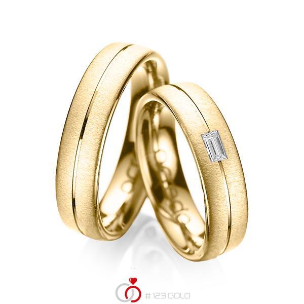 Paar klassische Trauringe/Eheringe in Gelbgold 585 mit zus. 0,12 ct. Baguette-Diamant tw, vs von acredo - A-1019-9