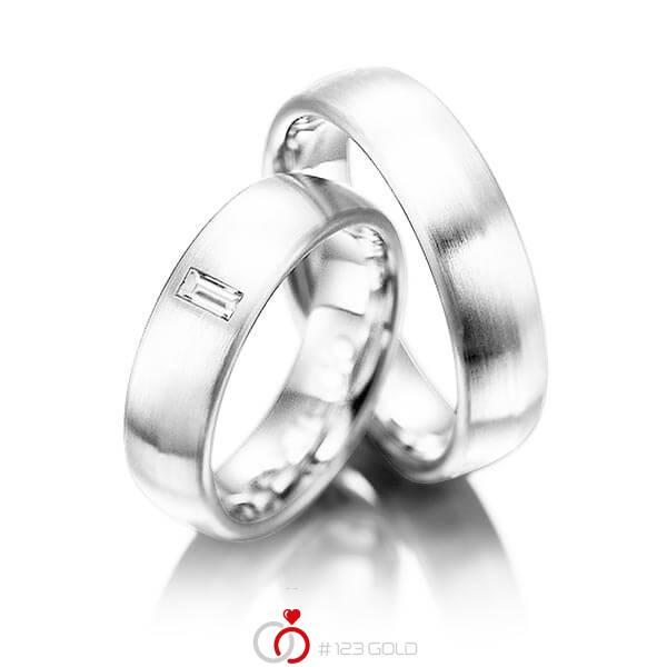 Paar klassische Trauringe/Eheringe in Weissgold 585 mit zus. 0,1 ct. Baguette-Diamant tw, vs von acredo - A-1002-8